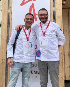 Davide Di Bilio, pizza chef del Fuori Tempo, con l'amico Massimiliano Prete