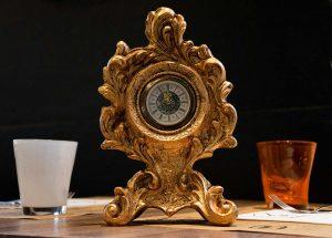 Orologio dorato d'epoca