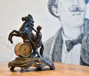Orologio da tavolo d'epoca