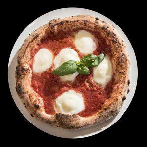pizza napoletana con mozzarella di bufala